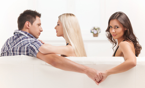 Girlfriend Cheating When Partner Out of Town